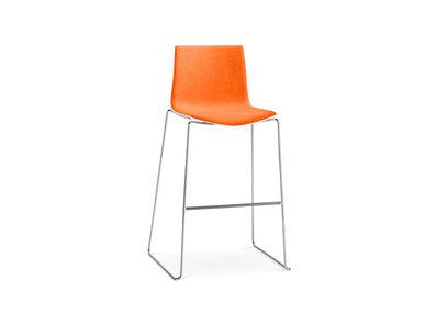 Итальянский барный стул Catifa 46 Sled фабрики ARPER