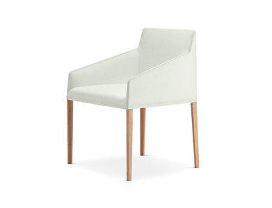 Итальянский стул с подлокотниками Saari AC 4 legs фабрики ARPER