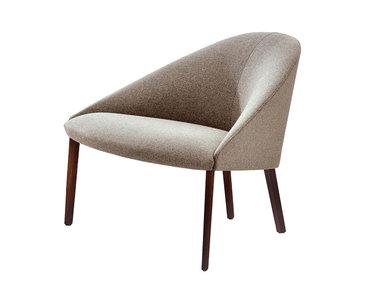 Итальянское кресло Colina M 4 legs фабрики ARPER