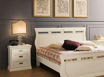 Итальянская двуспальная кровать Venere Avorio фабрика Venier