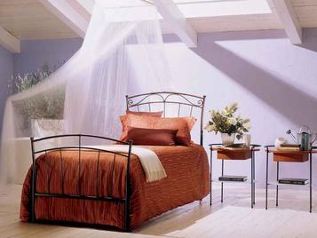 Итальянская кровать Dora/S фабрики BONTEMPI CASA