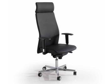 Испанское кресло VERSUS фабрики ALPUCH