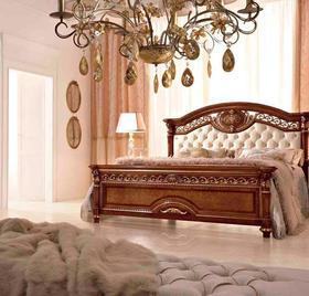 Итальянская кровать Luigi XVI фабрики Valderamobili